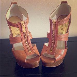 Michael kors camel heels